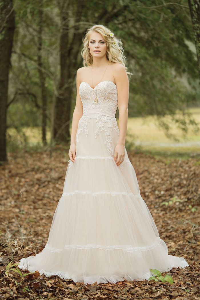 Abito da Sposa 6451 by Lillian West