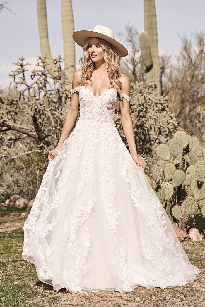 Abito da Sposa 66176 by Lillian West