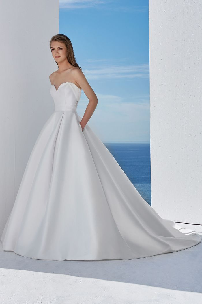 Abito da Sposa Lillian West 88110 by Justin Alexander