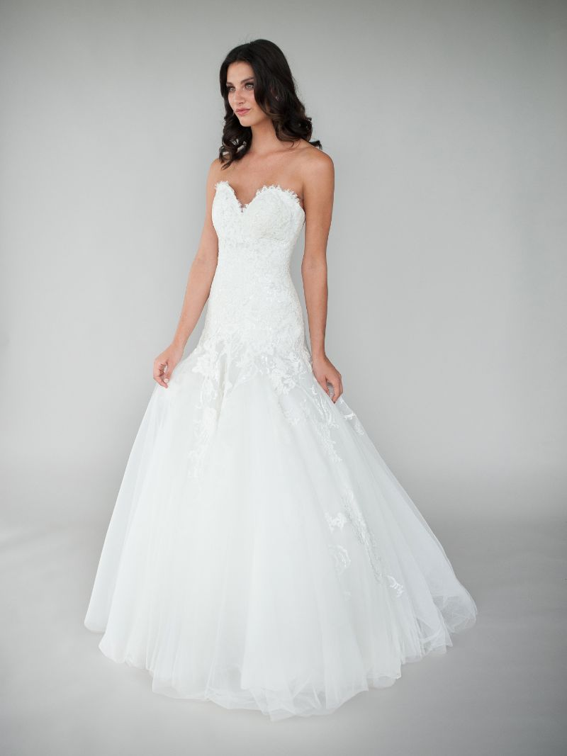 Vestito da Sposa L477 by Allure Bridals
